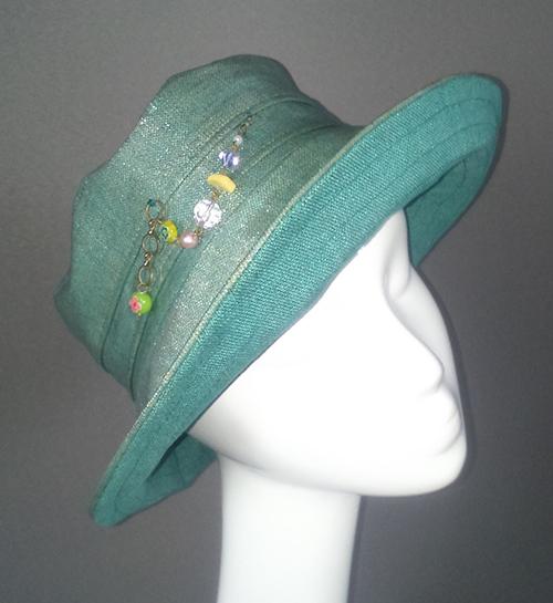 chapeau-pluie-vert