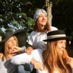 Mary Colibri - Belles sous le soleil avec des chapeaux sur mesure !