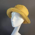 chapeau-pluie-jaune-Mary-Colibri